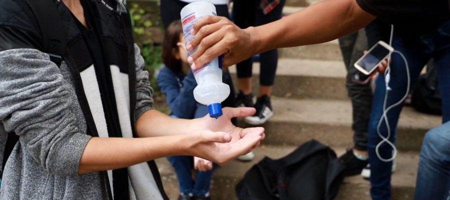 Governo pede que escolas comprem EPIs com recursos que o Estado não repassa  em dia