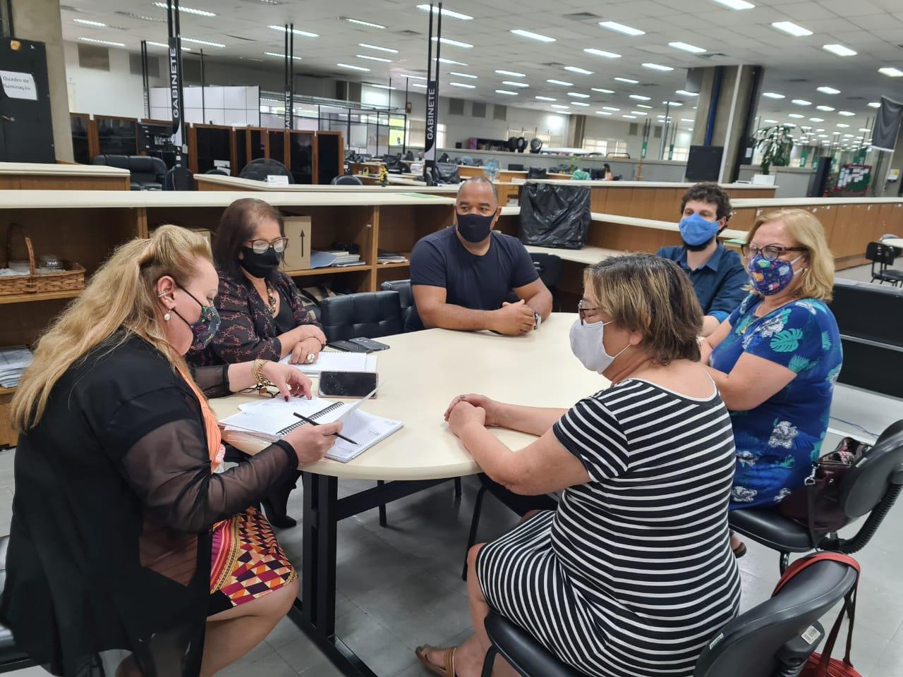 Direção do CPERS reúne-se com secretária-adjunta da Seduc para tratar dos descontos das equipes diretivas