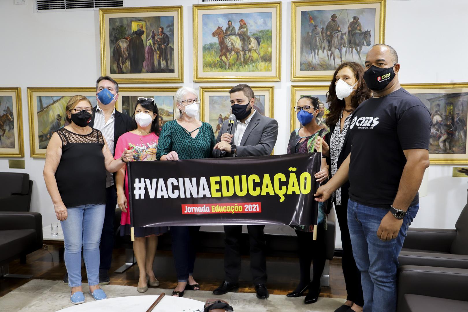 CPERS cobra celeridade para vacinação da categoria em reunião com presidente da Assembleia Legislativa