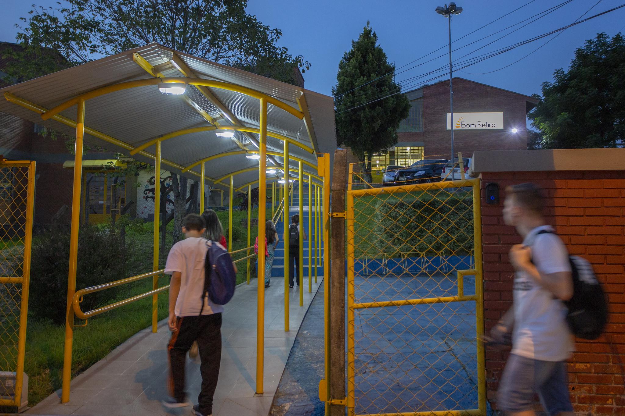 Local de Exercício: governo Leite aprofunda miséria da categoria com descontos retroativos